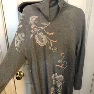 Grey Long Sweater with sparkles and flower details